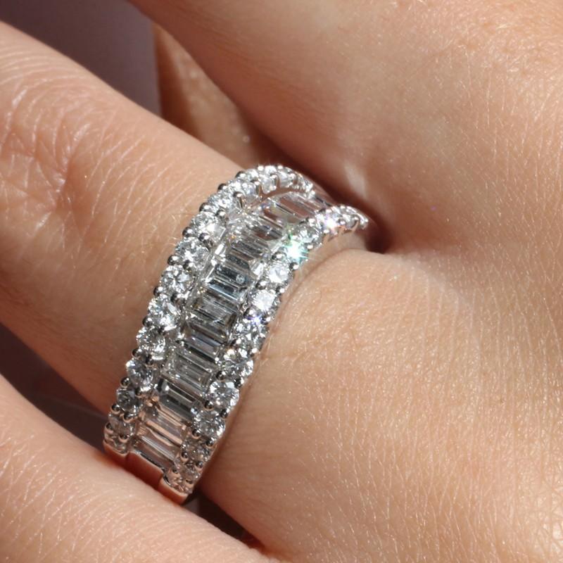 Connu Bague demi-alliance vague or blanc 750°/°° et diamants baguettes  NC98